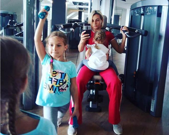 Дарья Сагалова с дочками фото