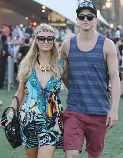 Пэрис Хилтон (Paris Hilton) и Ривер Виипери (River Viiperi)