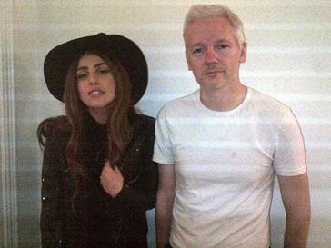 Джулиан Ассанж (Julian Assange) и Леди ГаГа (Lady GaGa)