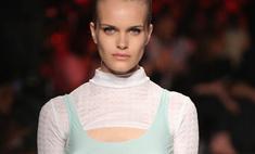 Модели с тремя грудями: жуткий тренд на Неделе моды в Милане