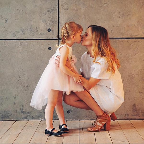 Блогер Кристина Чернякова с дочкой, фото