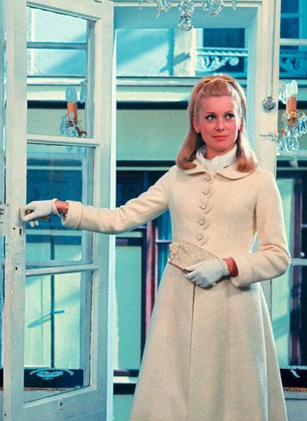 """Кадр из фильма """"Шербургские зонтики"""", Жак Деми, 1964"""