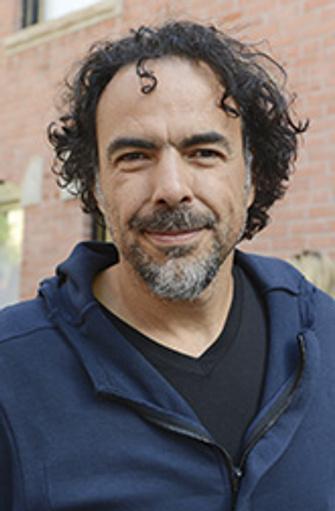 Алехандро Гонсалес Иньярриту – один из самых ярких режиссеров современного авторского кино. Он дебютировал в родной Мексике в 2000 году фильмом «Сука-любовь», после чего снял в Голливуде фильмы «21 грамм», «