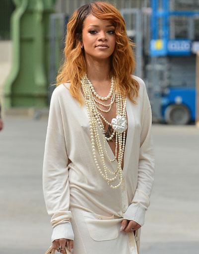 Рианна (Rihanna) в бижутериии Chanel