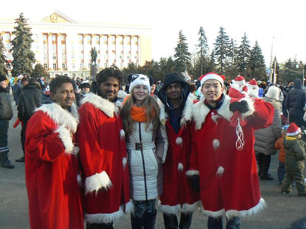 Парад Дедов Морозов в Курске 2016
