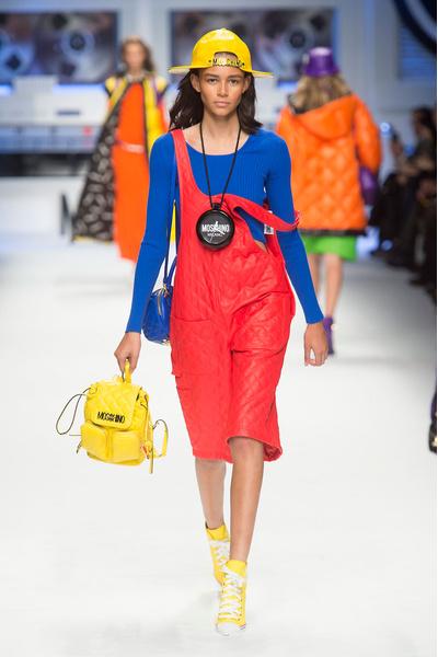 Показ Moschino на Неделе моды в Милане | галерея [2] фото [7]