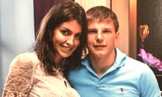 Беременную жену Аршавина затравили за фото в купальнике