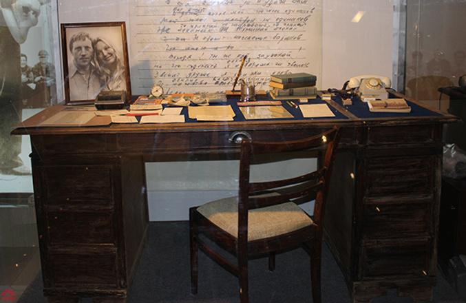 Рабочий стол Высоцкого, музей Высоцкого, фото