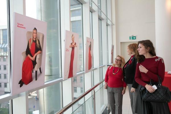 акцию поддержали 11 известных женщин россии