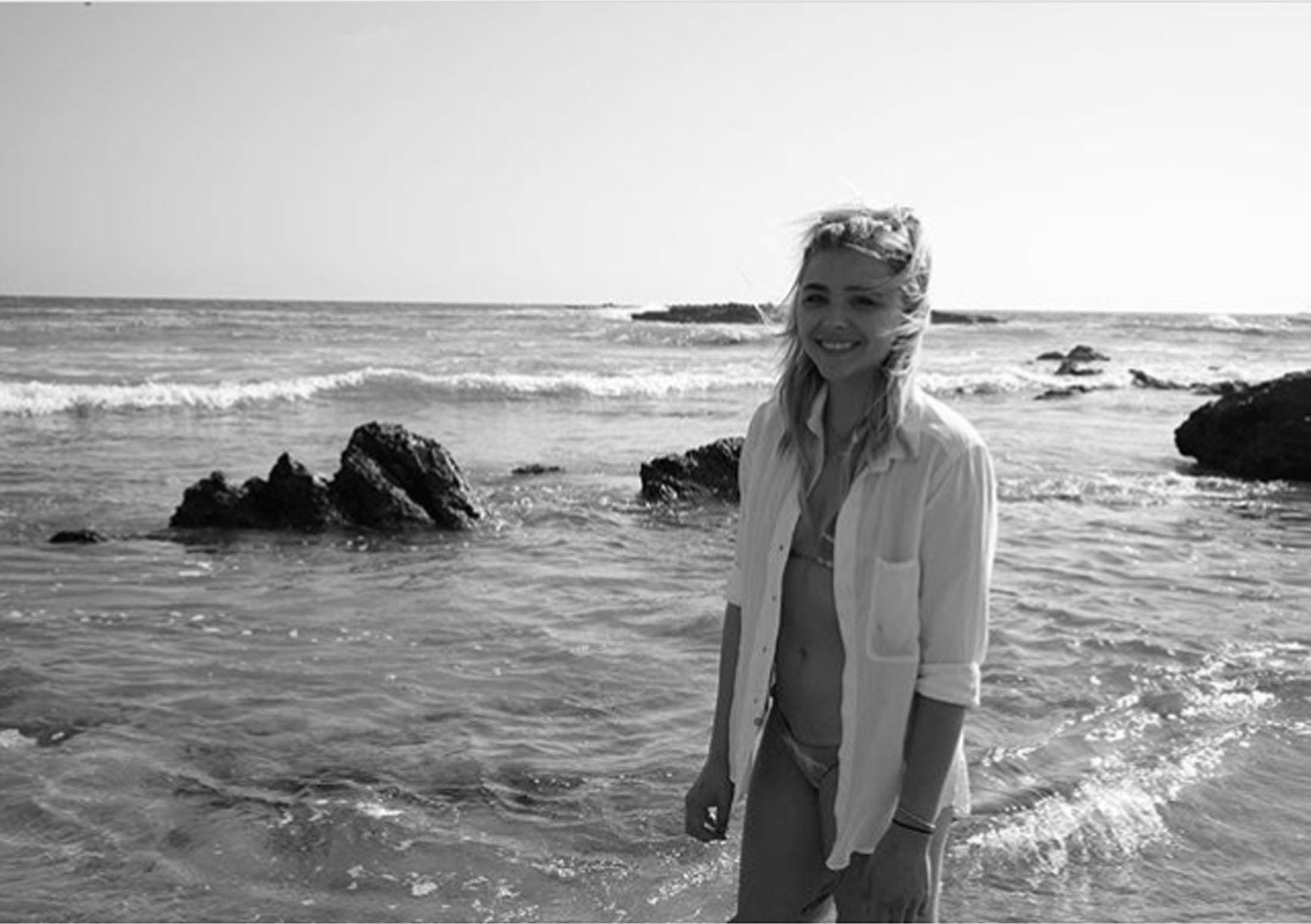 Хлоя Грейс Морец Слитые Фото На Пляже