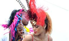 Рианна на карнавале. Откровенные фото