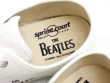 Японцы выпустили модные кеды The Beatles