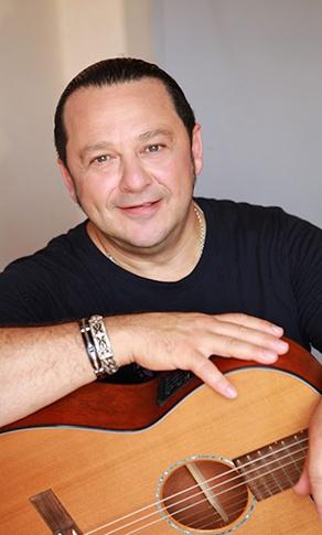 Игорь Саруханов: фото