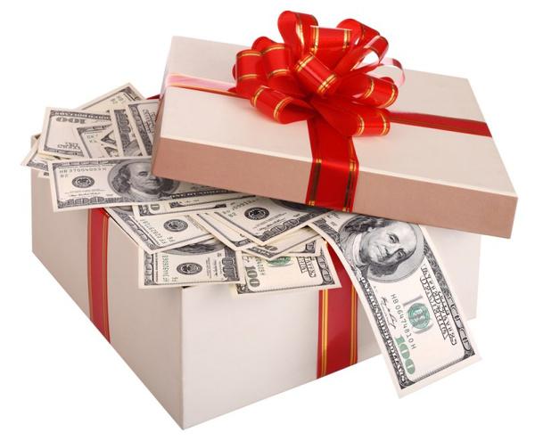 Сколько дарить на свадьбу