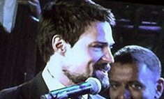 Данила Козловский спел на Дворцовой все песни «Крысиной стаи»