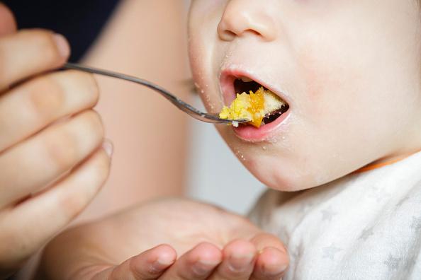 Можно ли разводить безмолочную кашу смесью ребенку