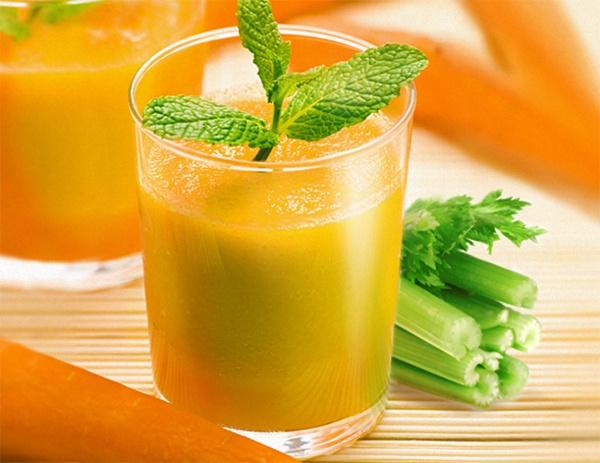Коктейль из сока сельдерея, яблок и моркови