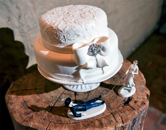 Ажурные узоры на свадебном торте