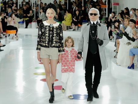 Показ круизной коллекции Chanel в Сеуле