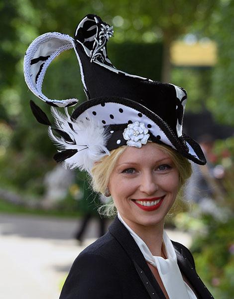 Королевские скачки в Аскоте: парад шляп   галерея [1] фото [30]
