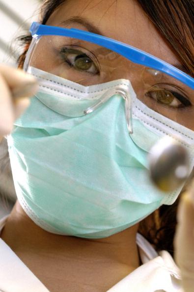 Стоит ли вырвать зуб во время беременности
