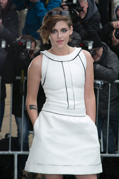 Кристен Стюарт на показе Chanel Haute Couture весна-2015 в Париже