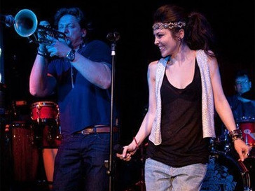 Сати Казанова уже освоила джаз, а теперь планирует кинокарьеру.