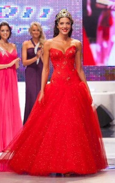 Татьяна Неверова, «Мисс Екатеринбург-2011»