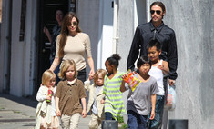 Анджелина Джоли сбежала от детей