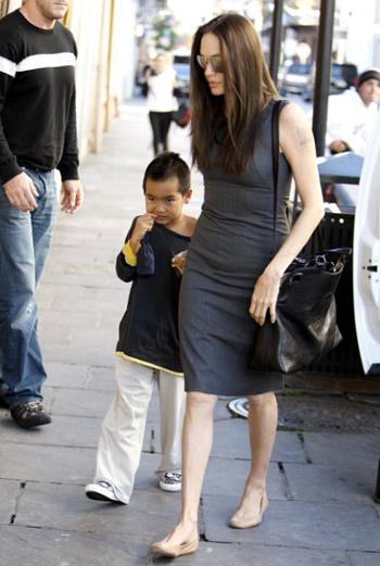 Анджелина и ее старший сын Мэддокс