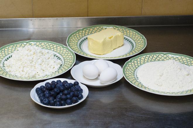 Творожный пирог с ягодами рецепт