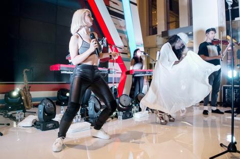 В «Цветном» состоялся концерт группы Clean Bandit | галерея [1] фото [9]
