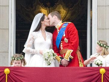 Платье Кейт Миддлтон (Kate Middleton) по-прежнему вызывает бешеный интерес
