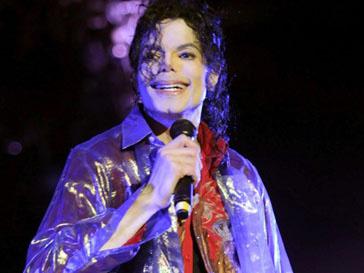 Майкл Джексон (Michael Jackson), который скончался несколько лет назад, все еще не уладил свои дела на этом свете