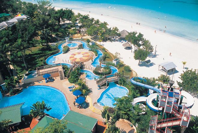 Водный парк в отеле Beaches Negril Resort & Spa.