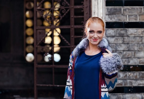 Как носить вязаное пальто