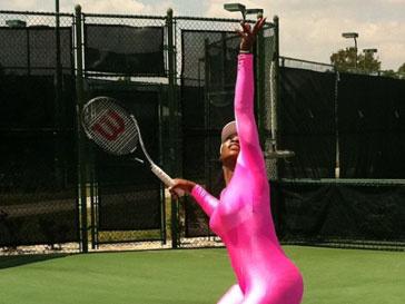 Серена Уильямс (Serena Williams) вновь тренируется на корте