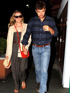 Диана Крюгер (Diane Kruger) и Джошуа Джексон (Joshua Jackson) обожают гулять вдвоем