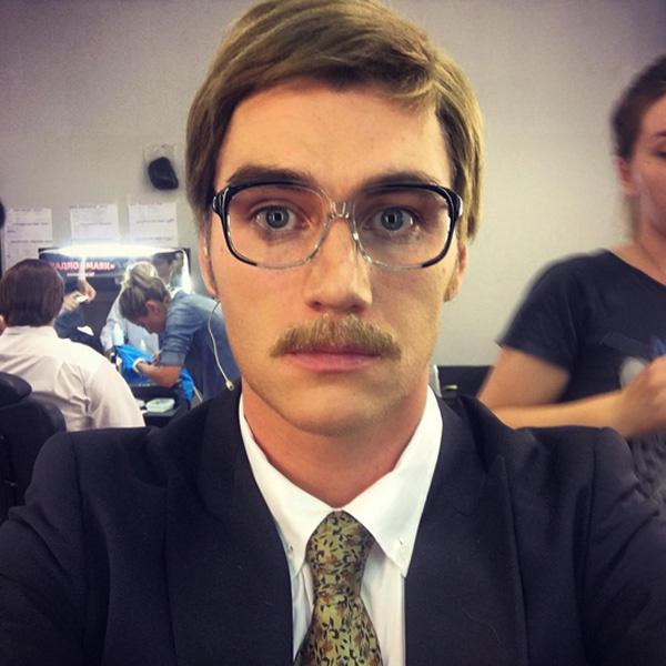 Алексей Воробьев отрастил волосы и усы