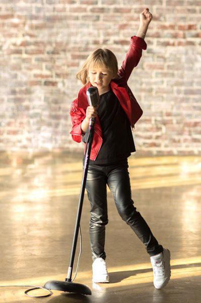 Яся Дегтярева исполнила новую песню «Однее»