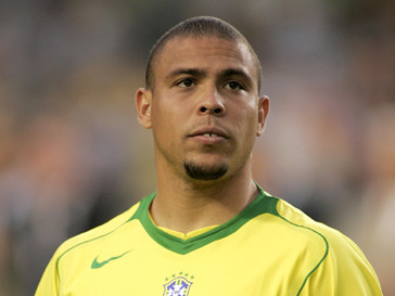 Роналдо (Ronaldo) входит в сотню лучших игроков мира