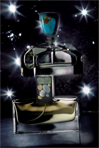 Сверху вниз: духи Pure Turquoise, Ralph Lauren; духи Tuberose Gardenia, Private Collection, Estée Lauder