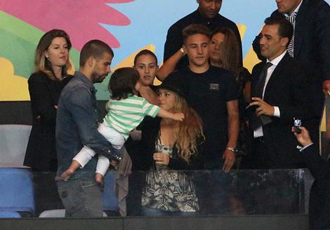 Жерар Пике с Шакирой и сыном Миланом