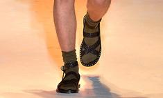 Сандалии с носками стали модным мужским трендом