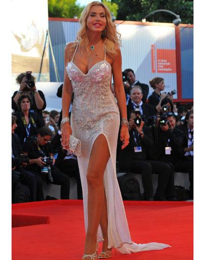 Валерия Марини (Valeria Marini) на 69-ом Венецианском кинофестивале