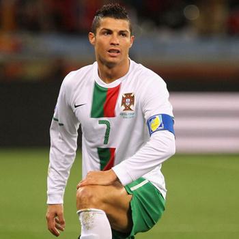 После поражения от испанцев Криштиану Роналдо хочет обдумать проблемы сборной в одиночестве.