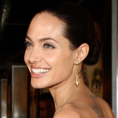 Анджелина Джоли (номинация «лучшая актриса в фильме-драме»)