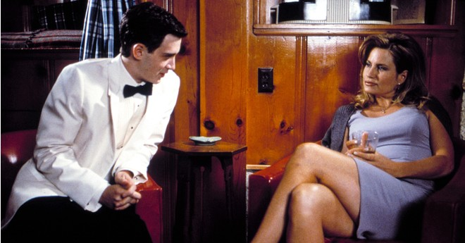 Старое фильм парень раскрыл халат женщины и заценил сиськи эротика 114