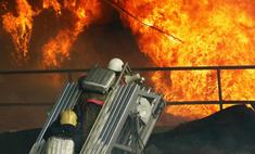 Под Екатеринбургом горит главный храм монастыря на Ганиной Яме