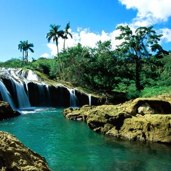 Шикарные кубинские пейзажи могут стать неплохим фоном для встречи Нового 2010 года.